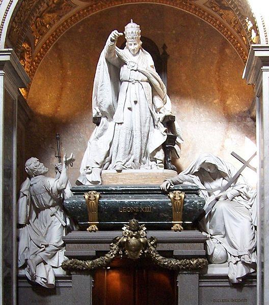 File:Roma Grab Leo XIII BW.JPG
