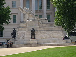 Royal Artillery Memorial, outside Aspley House, London.JPG