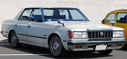 S110Crownsupersaloon.jpg