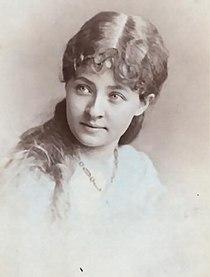 Sadie Martinot02.JPG