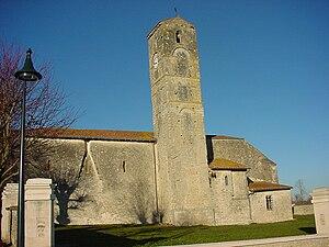 Image of Saint-Denis-du-Pin: http://dbpedia.org/resource/Saint-Denis-du-Pin