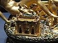 Saliera von Benvenuto Cellini (Tempelgebäude als Pfefferbehälter).JPG