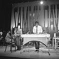Sammy Davis Jr tijdens optreden in theater Carre, Bestanddeelnr 916-2021.jpg