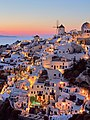 Santorini, Greece (38409532571).jpg