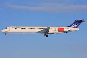 Scandinavian Airlines MD-81.jpg