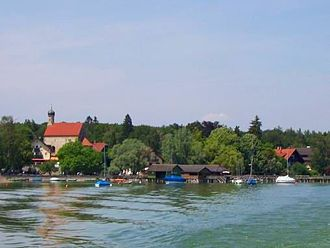 Schondorf - View from the sea: sea front with St. Jacob