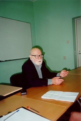 Thomas Sebeok - Thomas Sebeok giving a lecture in Tartu.