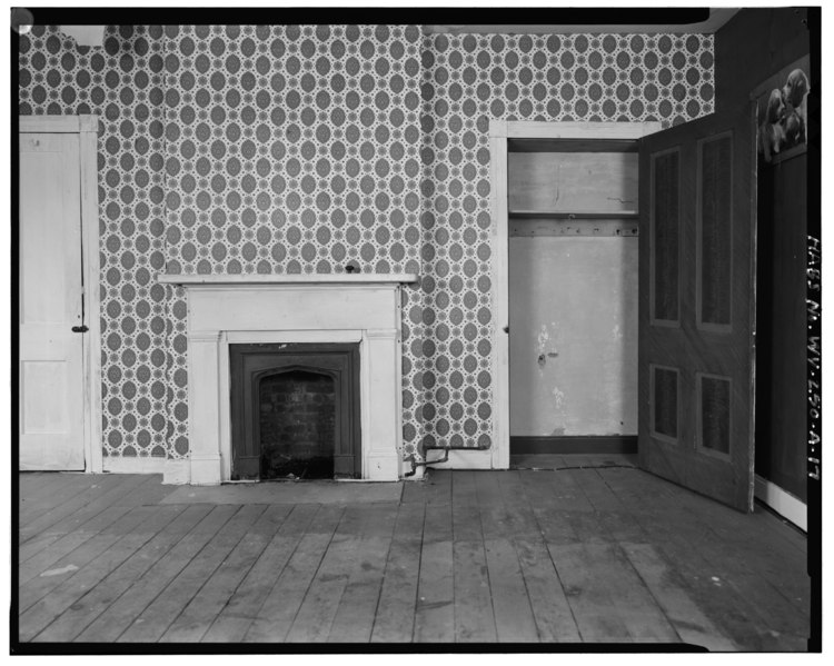 Second floor, northwest wall of northwest bedroom - Jacob Crow Farm, House, Crow Creek Road, 1 mile south of intersection of Routes 15 and 28, Cameron, Marshall County, WV HABS WVA,26-CAM,1A-17