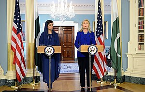 Hina Rabbani Khar - Khar with United States Secretary of State Hillary Clinton