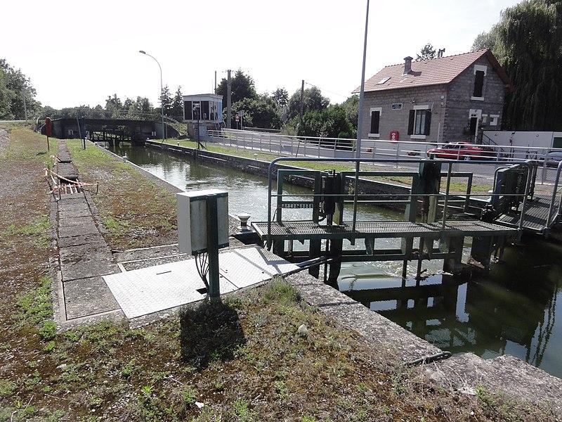 Sissy (Aisne) Canal de la Sambre à l'Oise, écluse 28