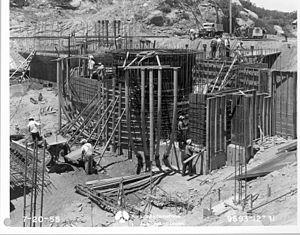 Sodium Reactor Experiment - Construction of the reactor.jpg