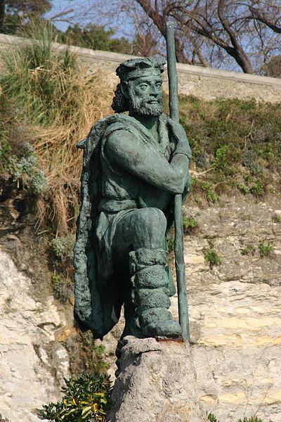 Archivo:Spain.Santander.Estatua.Monumento.al.Cantabro.jpeg