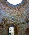 Split-Diokletianpalast-4-Vestibül.jpg