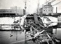 Spokane, Washington, Division Street Bridge Collapse, 18 December 1915.jpg
