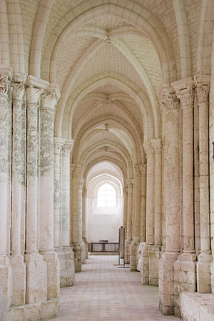 Saint-Germer-de-Fly Abbey - Image: St Germer de Fly north aisle looking west