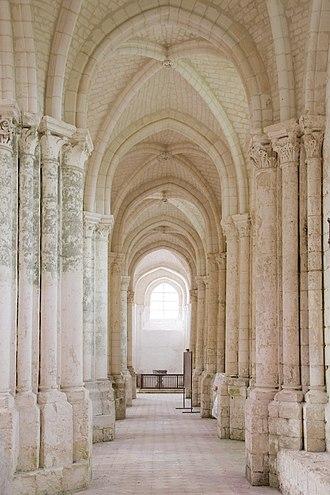 Saint-Germer-de-Fly Abbey - Image: St Germer de Fly north aisle looking west