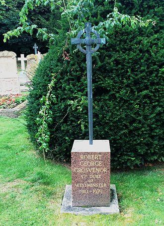 Robert Grosvenor, 5th Duke of Westminster - Grave of Robert Grosvenor, 5th Duke of Westminster