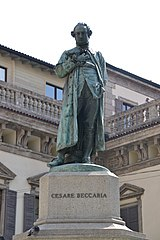 statua a Cesare Beccaria