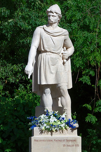Rollo - Statue of Rollo in Rouen. There are two bronze replicas of this statue: one at Ålesund (Norway) and the other one at Fargo, North Dakota (United States)
