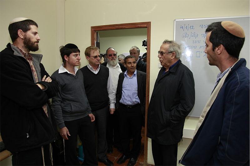 File:Stef Wertheimer at Kfar Zeitim 2013.jpg