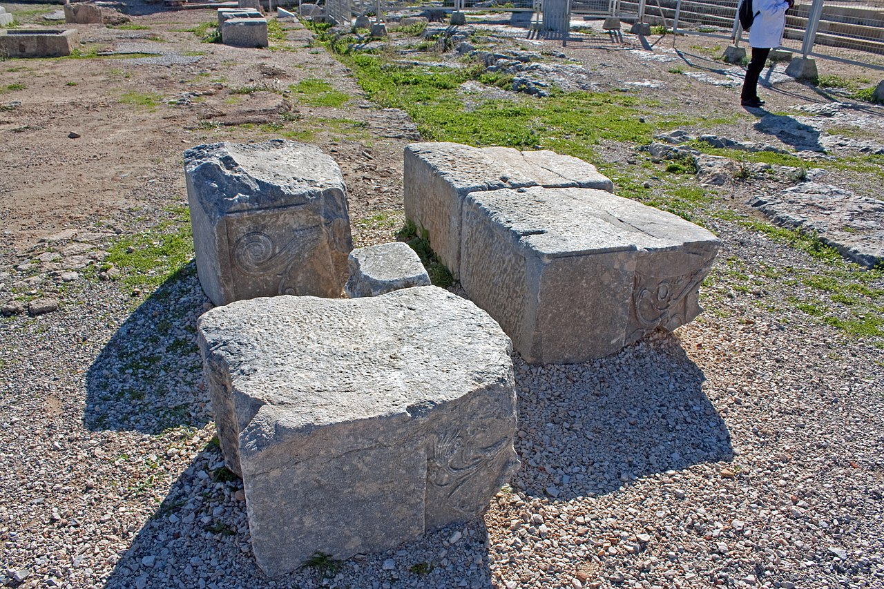 Seven Blocks Of Granite : File stone blocks on the acropolis of lindos g