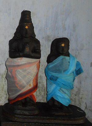 Sundarar - Sunadarar (left) with Paravayar (Paravai Nachiyar).