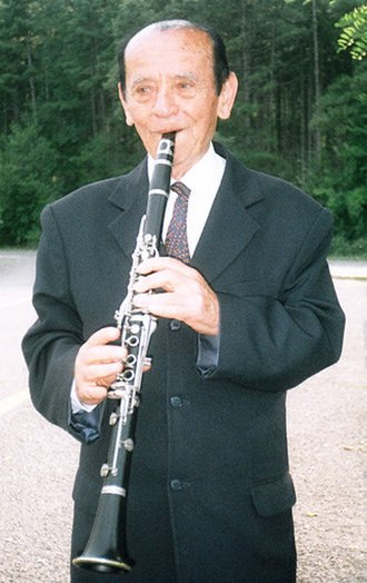 Tale Ognenovski - Tale Ognenovski with his Buffet Crampon clarinet in 2006