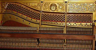 Hammered dulcimer - A piano