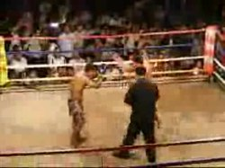 파일:Thai boxing in Wat Kungtaphao.ogv