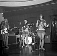 The Ladybirds opptrer i Bergen The Ladybirds performing in Bergen, Norway (1968) (20).jpg