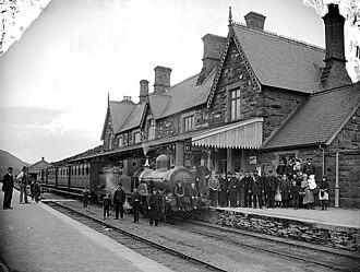 Machynlleth railway station - Machynlleth Station circa 1885, then on the Newtown and Machynlleth Railway