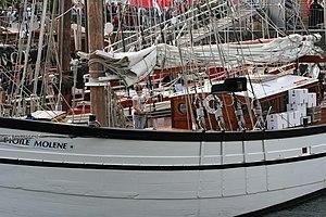 Tonnerres de Brest 2012 - 120715-065 Étoile Molène.JPG