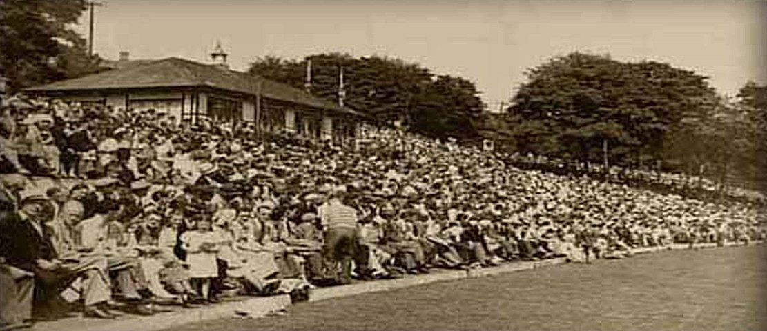The only known photograph of the record attendance at Oxenham Park in 1931/32 Toombul 1932 Crowd.jpg
