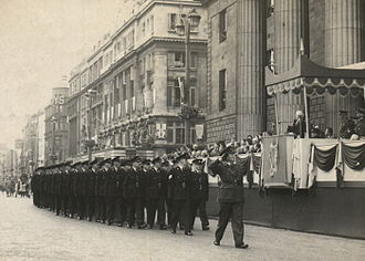 Seán T. O'Kelly - President Seán T. O'Kelly, An Tóstal, 1954. Outside the GPO, President O'Kelly receives the salute from the new Garda recruits during the Tostal celebrations of 1954.