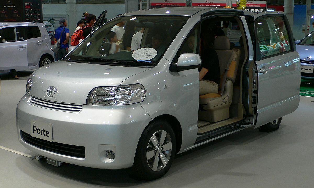 10 Passenger Vehicles >> Toyota Porte - Wikipedia