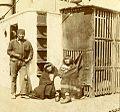 Transporte marítimo de pobladores fueguinos, c.1890.jpg