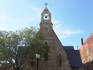 Trinity Episcopal Church (Muscatine, Iowa) - Façade