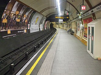 Tufnell Park tube station - Image: Tufnell Park stn southbound look north