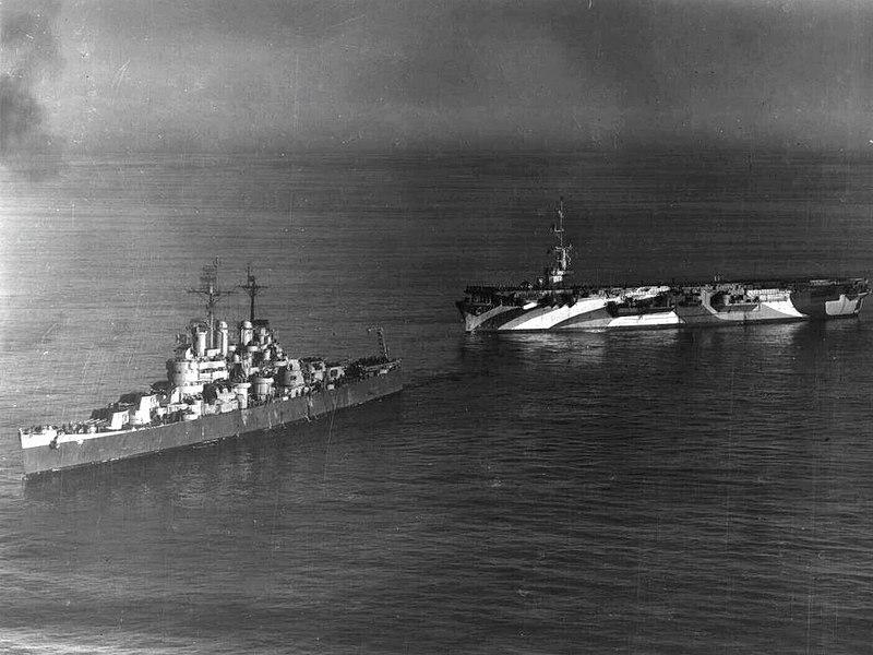 File:USS Block Island (CVE-106) in MS-33 18A camouflage.jpg