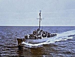USS Hanna (DE-449) underway at sea off Korea on 11 September 1951 (80-G-436788)
