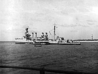 USS Omaha (CL-4) - Omaha aground in the Bahamas 1937