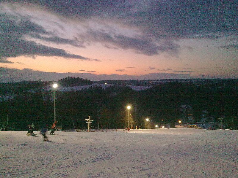 File:Vaňkův Kopec - panoramio.jpg