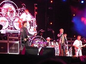 Van Halen at their last ever show, in Québec c...