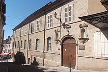 Vesoul Musée Georges-Garret - Vesoul (Везуль), регион Франш-Конте, Франция - достопримечательности, путеводитель по городу. Карта, транспорт, схемы маршрутов, билеты, что посмотреть в Везуле, как добраться в Везуль, города Франции, путеводитель по Франции, окрестности Безансона, что посмотреть вокруг Безансона, достопримечательности Франции, транспорт по Франш-Конте