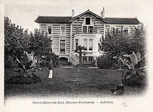Tirso de Olazábal y Lardizábal - Old postcard showing two of Tirso's sons, Rafael and Pelayo, in the gardens at Villa Arbelaiz in Saint-Jean-de-Luz.