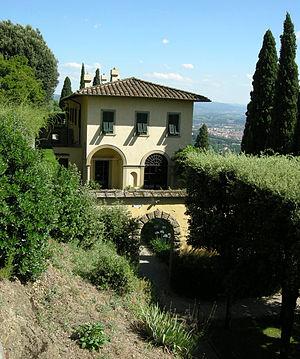 Villa Le Balze - Image: Villa le balze 01