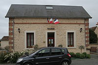 Villaines-la-Gonais - mairie.JPG