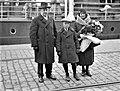 Viron Suomen-suurlähettiläs Hans Rebane perheineen Helsingin Eteläsatamassa 18.4.1931.jpg