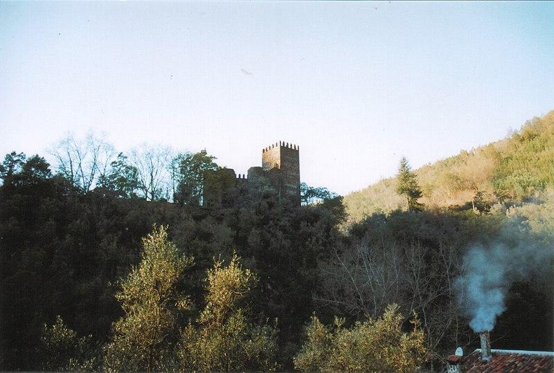 Imagem:Vista do Castelo da Lousã.jpg