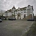 Voorgevel van de rooms-katholieke lagere school voor meisjes - Nieuw-Vennep - 20407567 - RCE.jpg